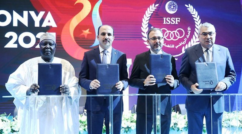 2021 İslami Dayanışma Oyunları'nın ev sahibi şehir sözleşmesi imza töreni, Selçuklu Kongre Merkezi'nde düzenlendi.